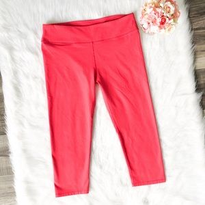 Fabletics Pink Capris Yoga Pants Cropped Tights